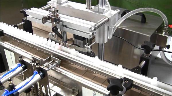 Автоматска е-течна автоматска машина за полнење шишиња со голема брзина